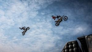 biker-384179_640
